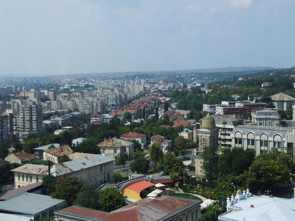 A Loosing Combination for Romanian Cities? Shrinking