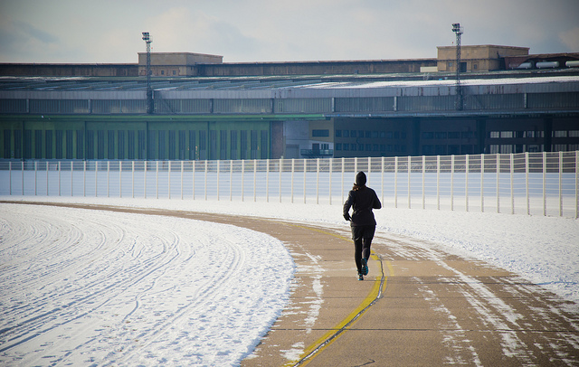 Jogger on former aiport parc  Tempelhof in Berlin. Picture by János Balázs